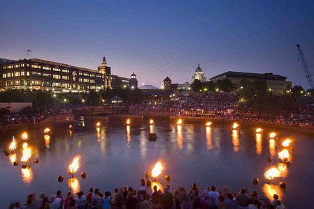 1024px-Waterfire_flicker_image_4.jpg